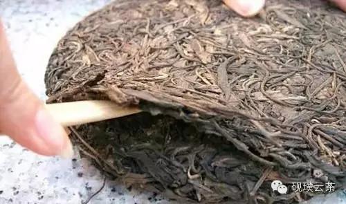 普洱茶图片 你知道怎么撬普洱茶吗?